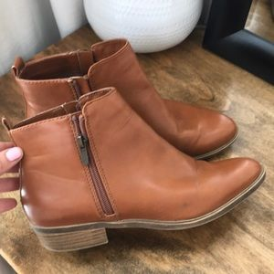 Ankle Cut Light Brown Boots